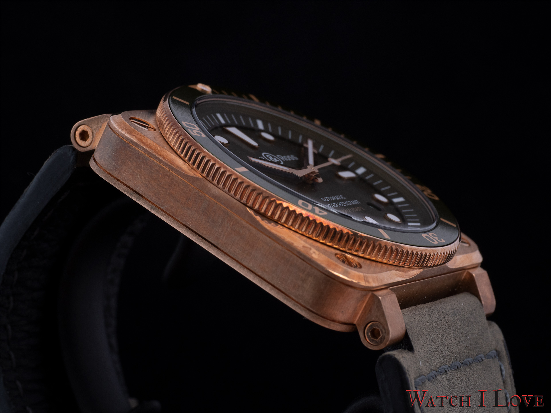 BR03-92 Green Bronze Diver case side